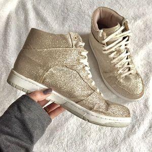 •Steve Madden• Gold Glitter Shufle Sneaker